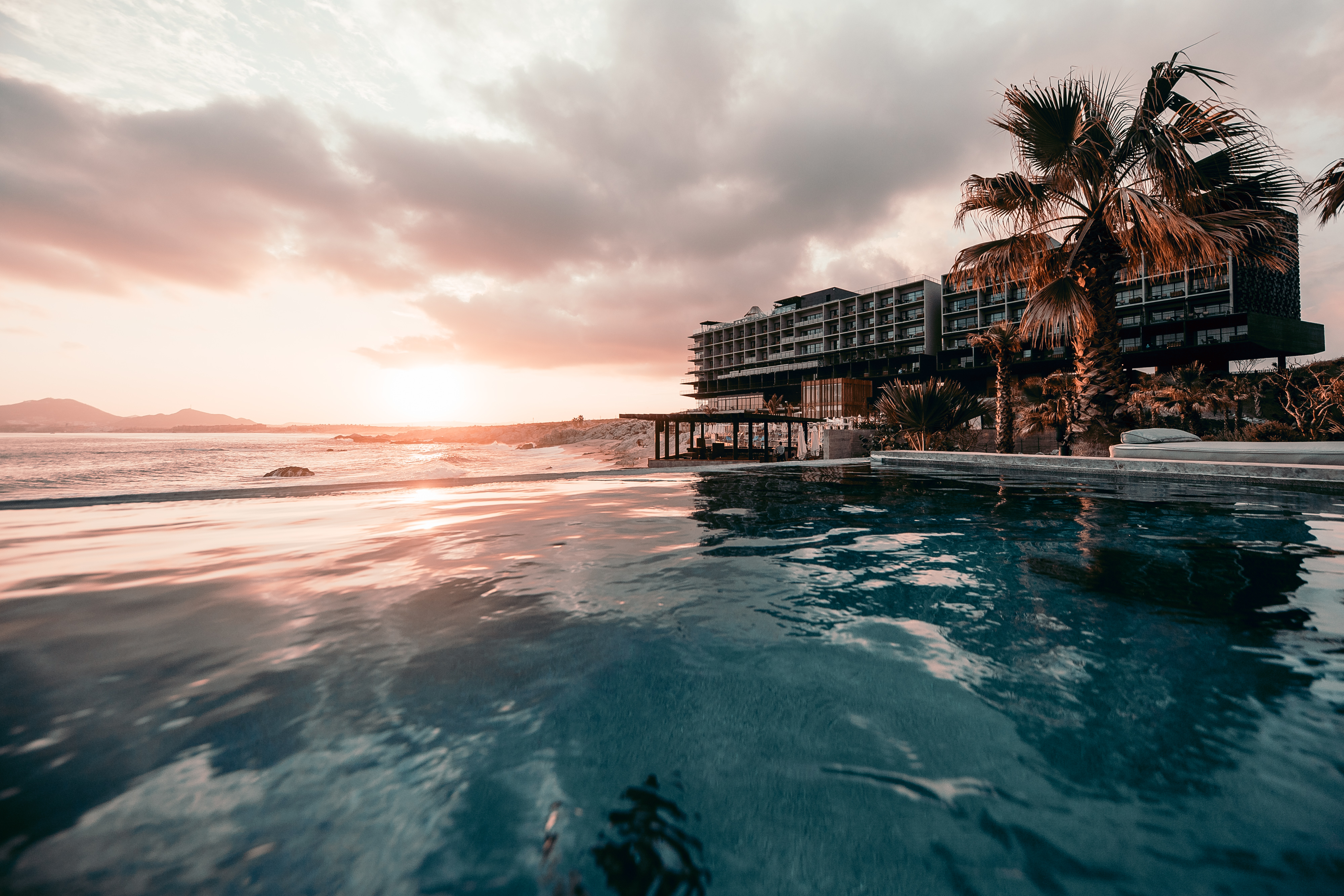 2017 Pick Up Report: 3 Mexico Resorts + Chicago Icon